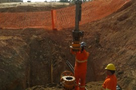 Trepanacao e bloqueio em linha duto de gas natural em operacao